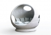 POKE BALL DAYBED